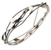 Jane Watling wirework silver bangle, London 1998, inner diameter 6.1cm Condition: **General