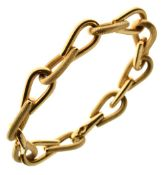 18 carat gold bracelet, of alternating textured and plain links, 21.5cm long, 19g gross Condition: