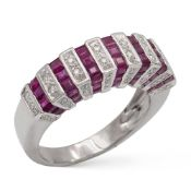 Platinum, diamond and rubies rivière ring weight 7,5 gr.