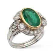 18kt white and yellow gold ring with natural emerald 3,48 ct weight 8,2 gr.