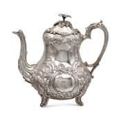 Silver coffee pot London, 1851 h. 23 cm. marks of Samuel Hayne & Dudley Cater, chiseled pyriform