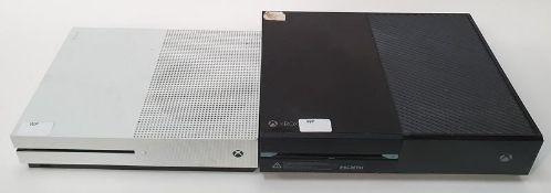 Microsoft Xbox One S console together with Xbox One console (REF WP27).