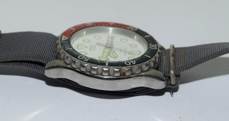 Automatic Adec Diver's Watch on Military Strap, Working. - Image 7 of 10