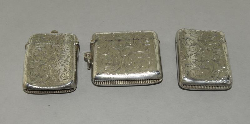 3 Convex Shaped Silver Vesta Cases - Image 2 of 5