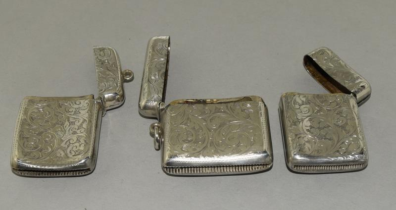 3 Convex Shaped Silver Vesta Cases - Image 3 of 5