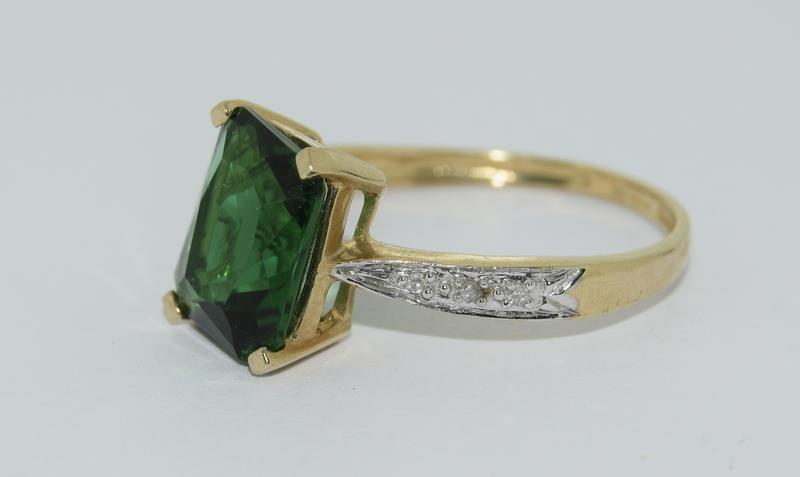 9ct Gold Diamond Chipped Shoulder Ring. Size N - Image 4 of 4