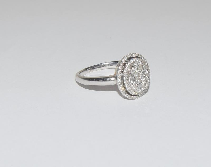 18ct White Gold ladies Diamond Halo set ring. Size O. - Image 4 of 5