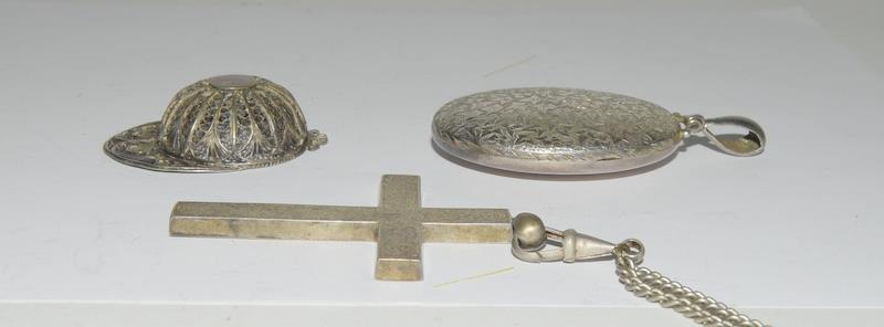 Silver locket, cross and filigree jockey helmet. 55 grams. - Image 2 of 5