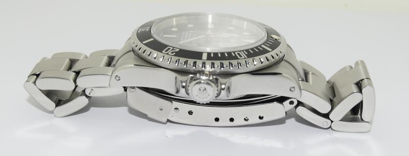 Rolex Sea Dweller gents wristwatch. Model No. 16600. Approx 1998 U39****. Very good condition. - Image 4 of 10