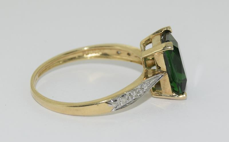 9ct Gold Diamond Chipped Shoulder Ring. Size N - Image 2 of 4