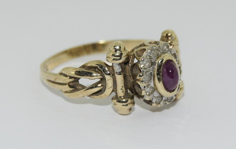 9ct Gold Antique Set Diamond & Cabochon ruby Ring. Size P - Image 5 of 5