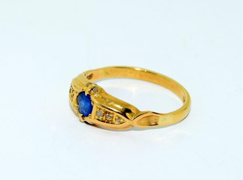 18ct Gold Ladies Antique Diamond & Sapphire Ring. Size O. - Image 8 of 10