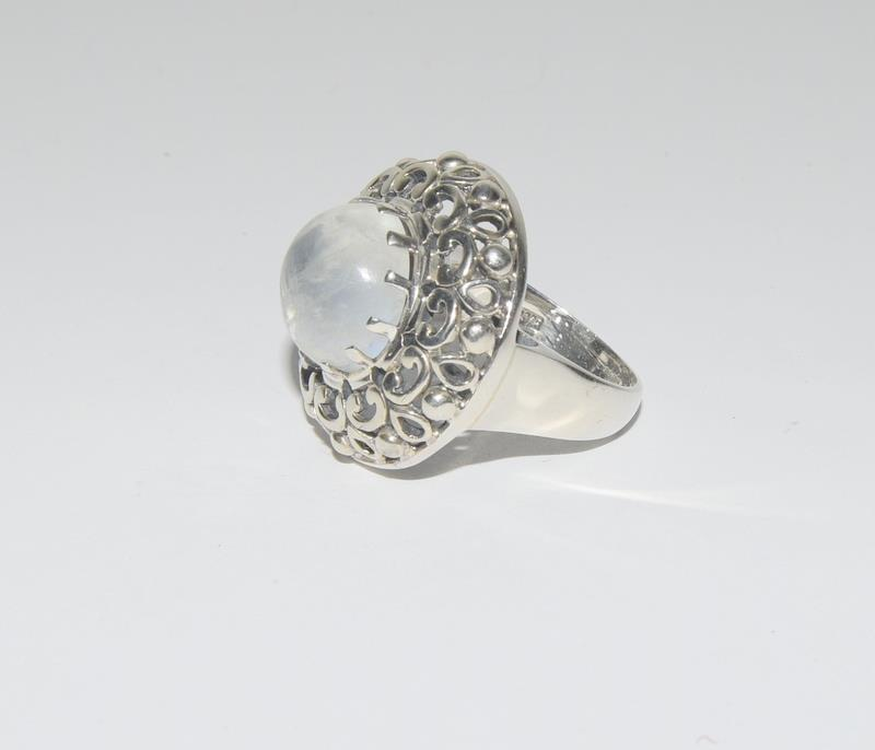 Hige Moonstone 925 Silver ring. Size O. - Image 4 of 4