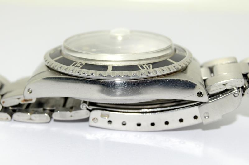 Rolex 1680 'Single Red' Submariner gents wristwatch . Movement 1570 number 306#### 1970s dial has - Image 5 of 11