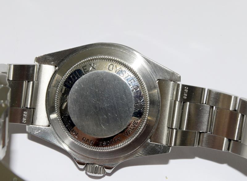 Rolex Sea Dweller gents wristwatch. Model No. 16600. Approx 1998 U39****. Very good condition. - Image 6 of 10