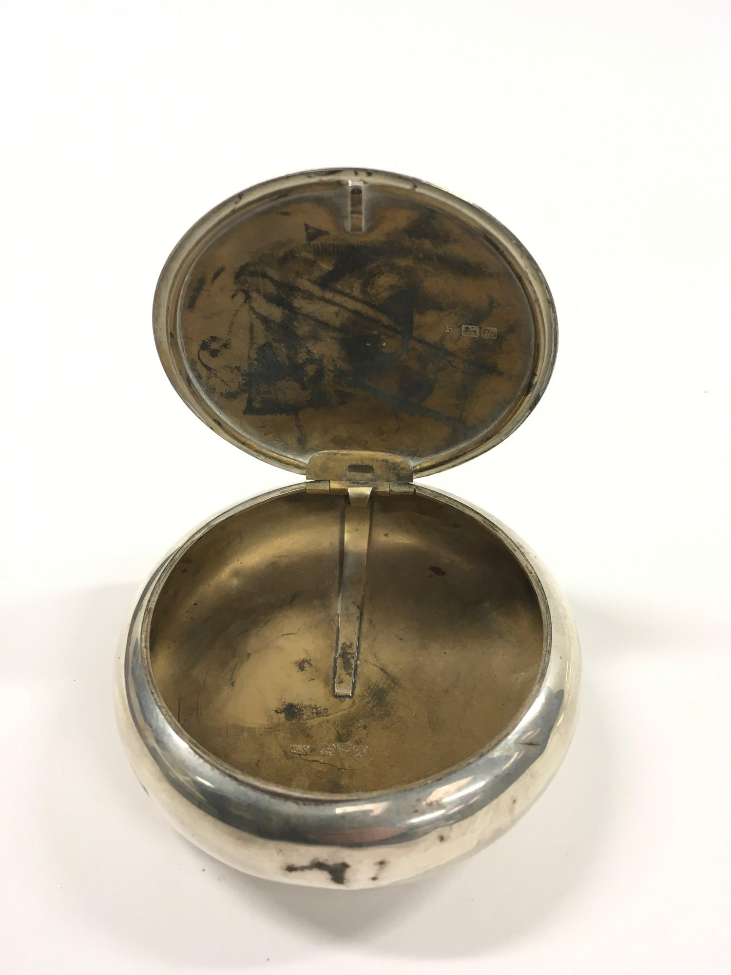 Chester 1908 Solid Silver Tobacco Tin with Gilt Interior. - Image 2 of 2