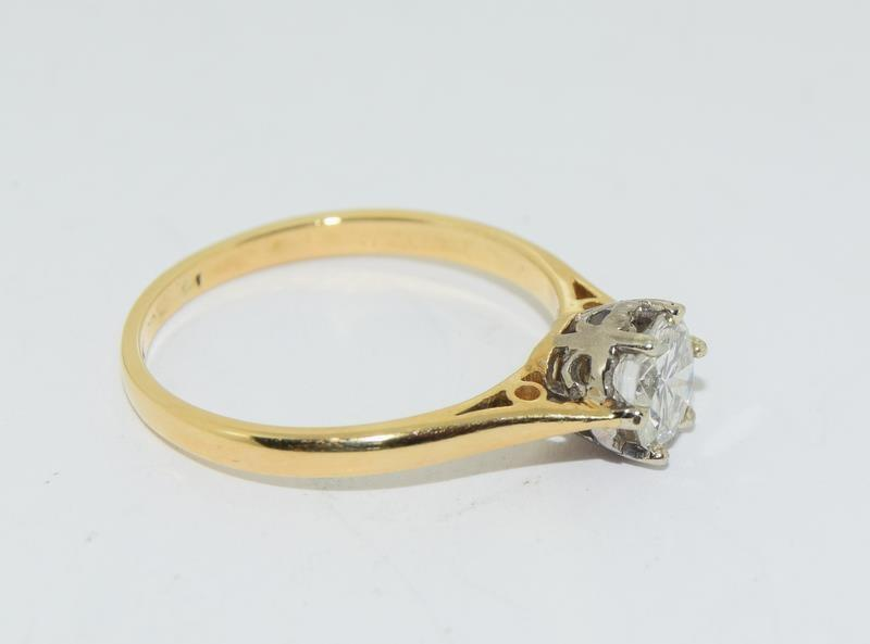 18ct Gold ladies Diamond Solitaire ring. Size N. - Image 10 of 12