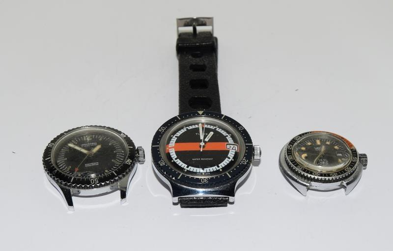 Three vintage divers watches running Ingersoll Timex and Venus - Image 2 of 12