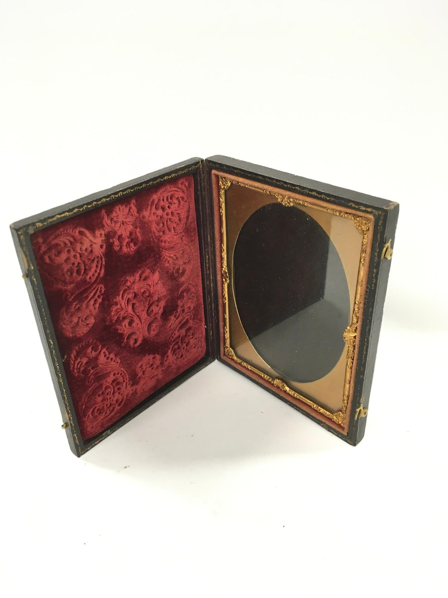 2 filigree Silver Embossed picture frames and a Victorian travelling picture frame. - Image 3 of 3