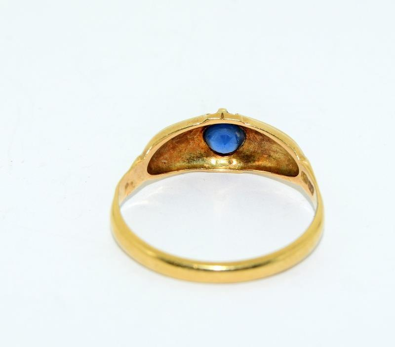 18ct Gold Ladies Antique Diamond & Sapphire Ring. Size O. - Image 6 of 10