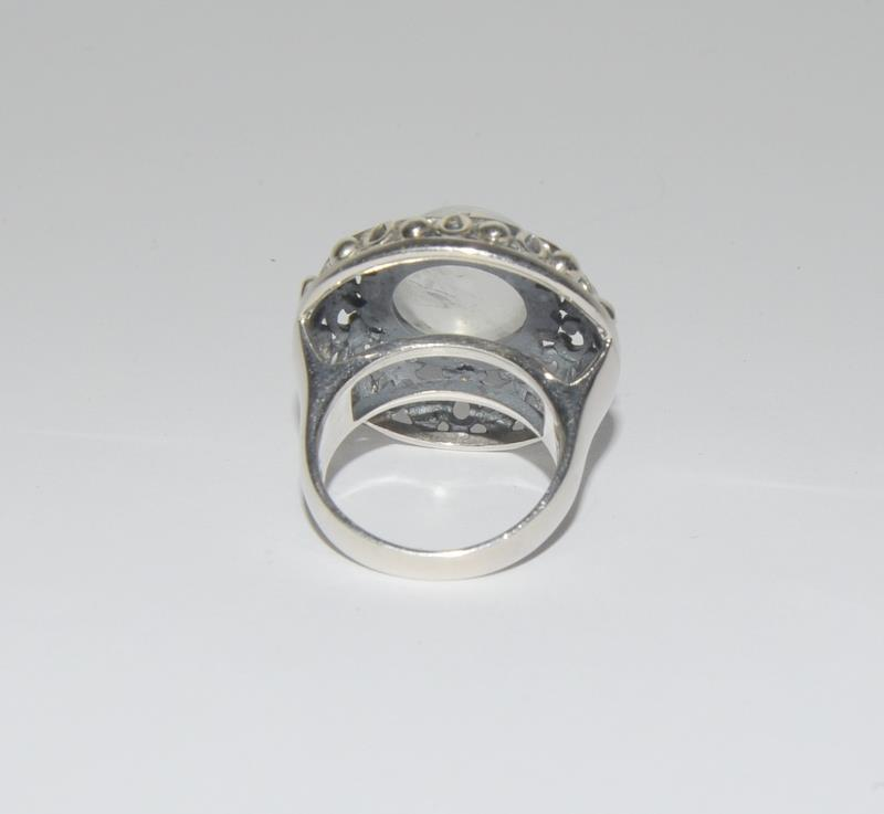 Hige Moonstone 925 Silver ring. Size O. - Image 3 of 4