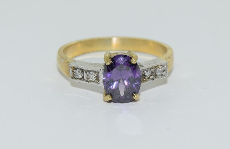 9ct Gold on Silver Amethyst CZ ring.