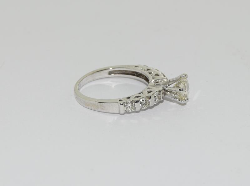 An 18ct white gold diamond ring of 1.45cts Size L - Image 2 of 6