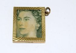 9ct Gold Folded £1 Note Charm. 27x23mm. 4.7g