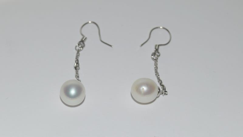 Cultured Pearl 925 Silver necklace and earrings. - Image 2 of 4