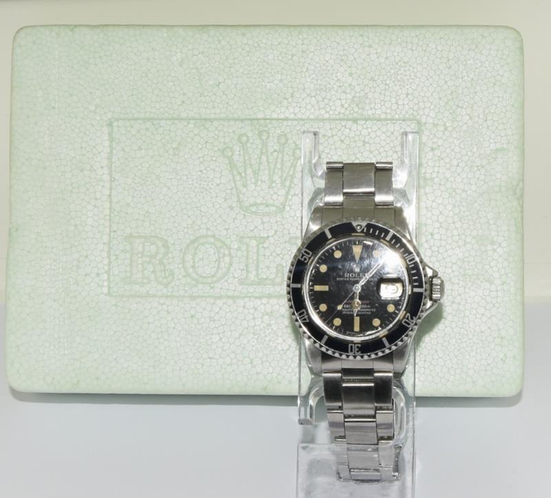 Rolex 1680 'Single Red' Submariner gents wristwatch . Movement 1570 number 306#### 1970s dial has