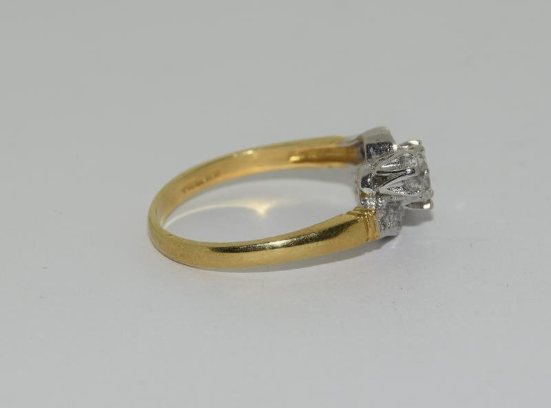 9ct Gold On Silver 3 stone CZ Twist ring. - Image 2 of 6