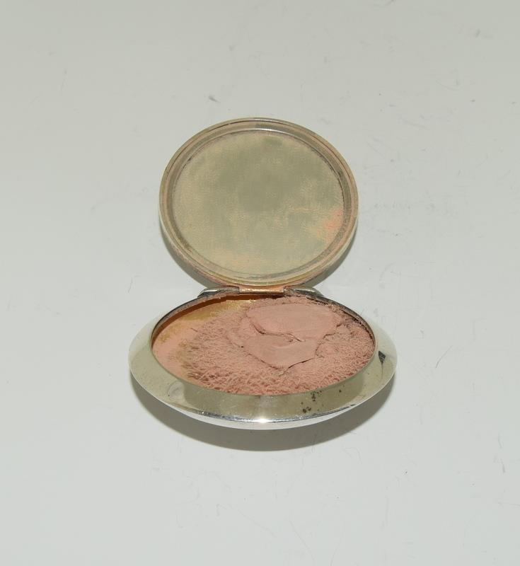 Silver purse compact together with silver pill box. - Image 2 of 5