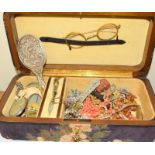 Jewellery box with Key contains 1910/20s Costume jewellery.