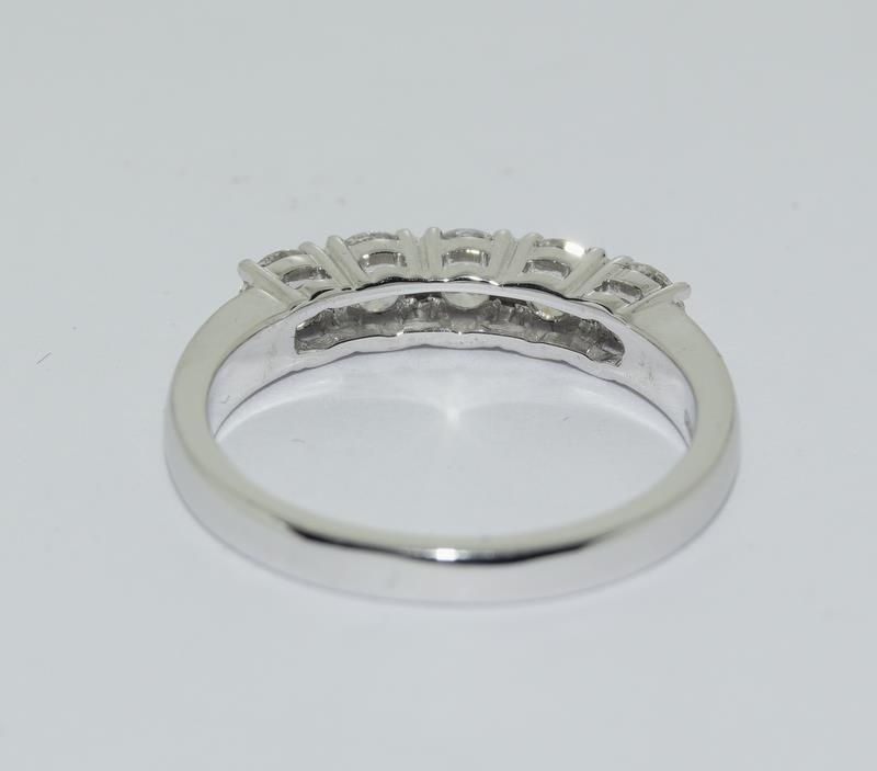 An 18ct white gold five stone diamond ring of 1.2cts. Size M - Image 3 of 6