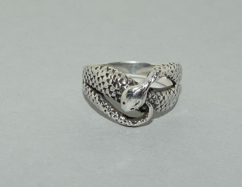 Large Vintage 925 Silver Snake Ring. Size V