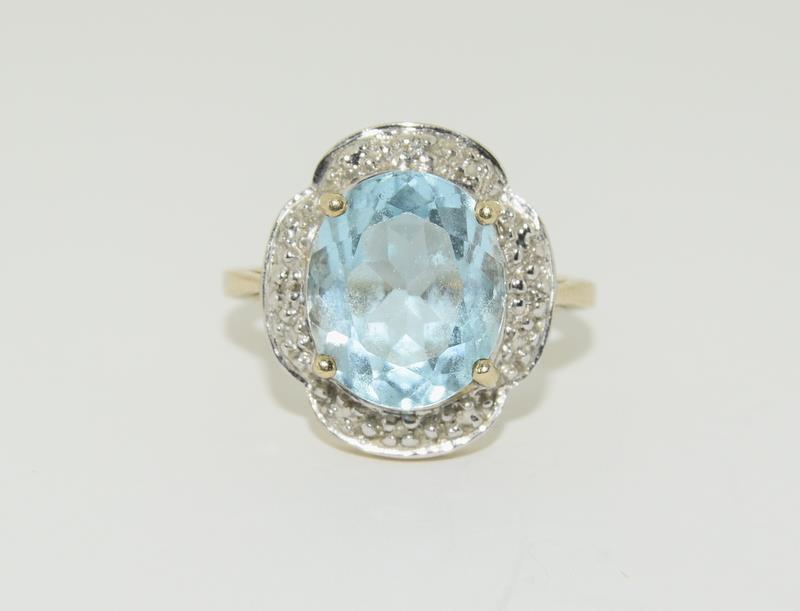 9ct Gold Antique Set Aquamarine Flower Ring