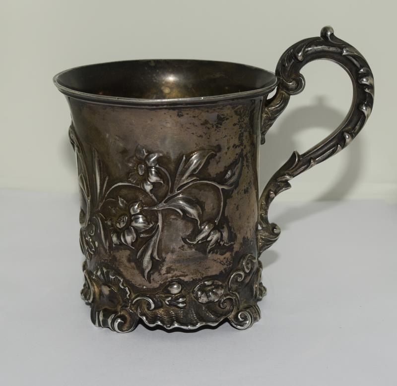 Embossed early Victorian childs christening mug London 1838 maker Charles Riley and George Storer - Image 3 of 9