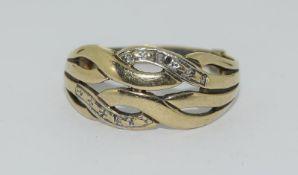 9ct Gold Twist Ring. Size Q