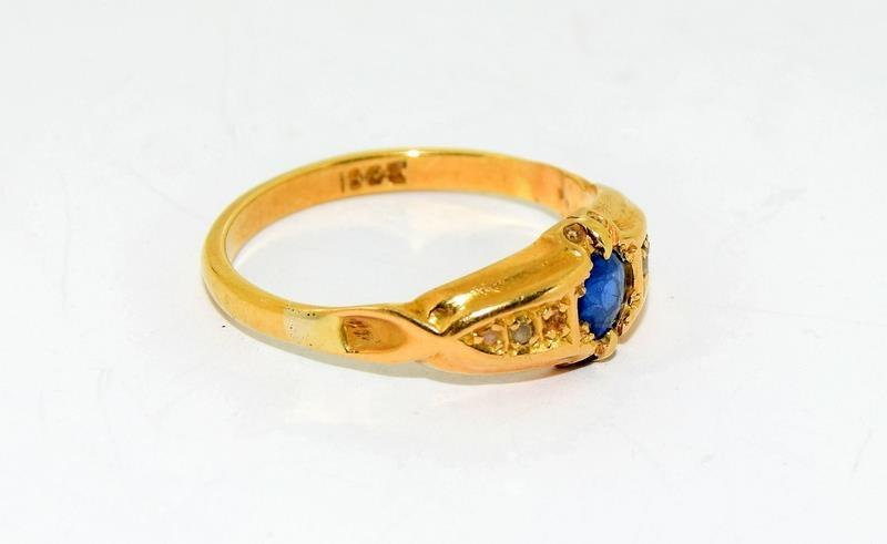 18ct Gold Ladies Antique Diamond & Sapphire Ring. Size O. - Image 9 of 10