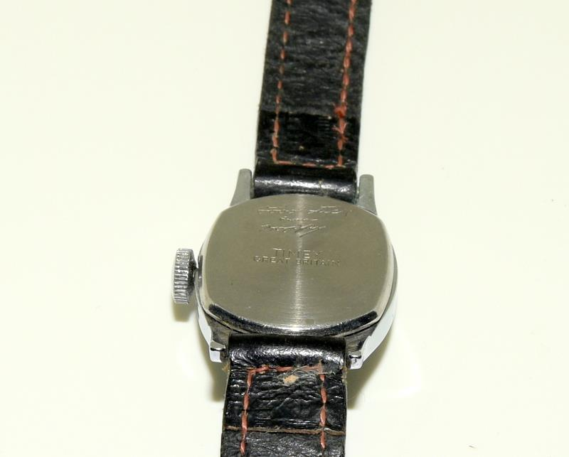 "Timex Hop Along Cassidy manual wind 1950s original watch. Signed on the back ""Good Luck Hoppy "" - Image 3 of 5"