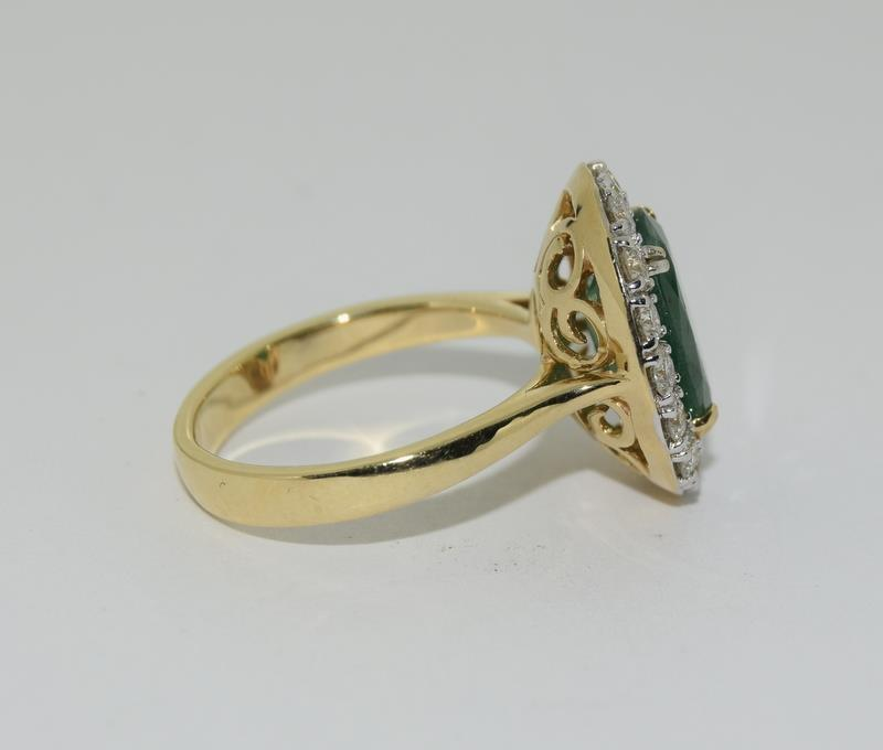18ct gold Emerald and Diamond ring. Emerald approx 3.6ct and Diamond approx 1ct. - Image 2 of 6