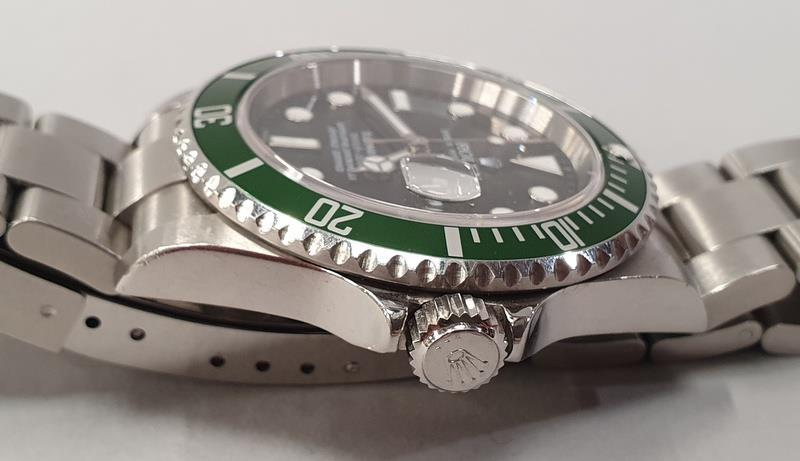 Rolex Submariner 16610, with service box and papers. - Image 5 of 10