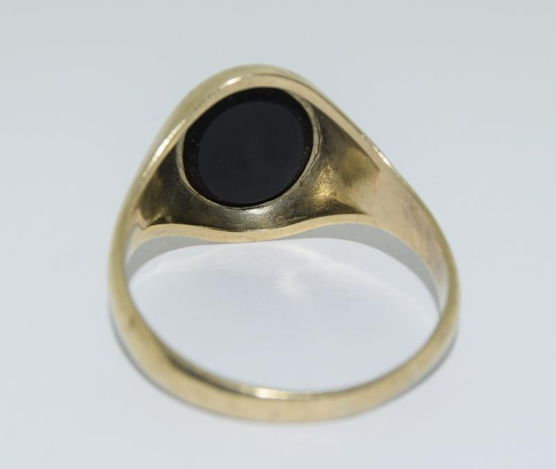 9ct Gold Signet ring. Size X - Image 3 of 3