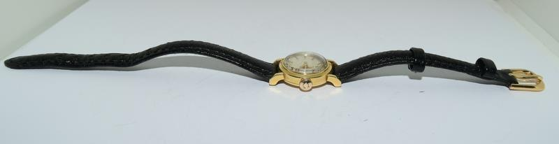 18ct Gold ladies Omega manual wind wrist watch, boxed. - Image 6 of 10