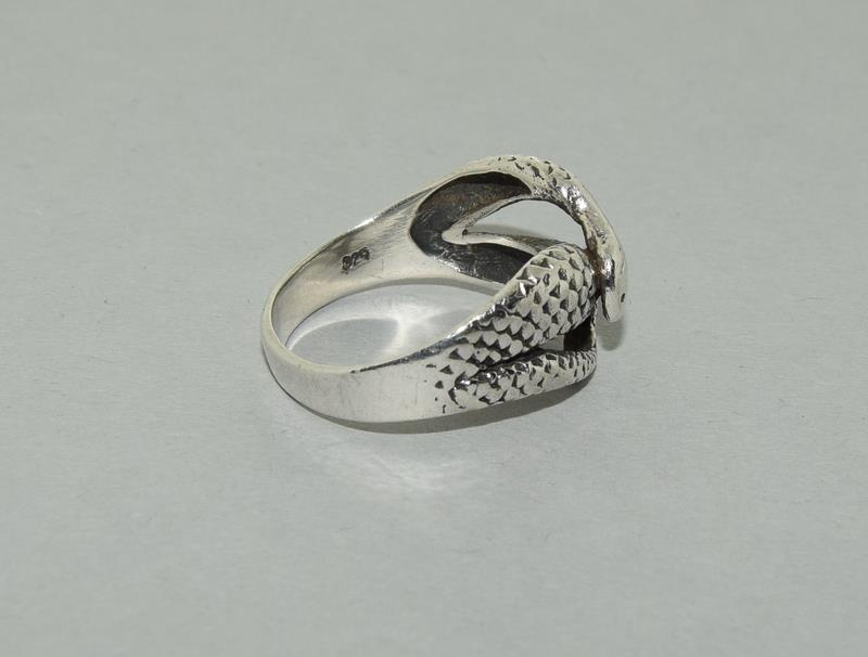 Large Vintage 925 Silver Snake Ring. Size V - Image 2 of 3
