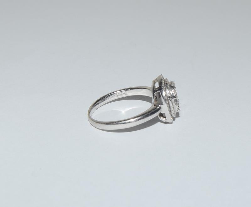 18ct White Gold ladies Diamond Halo set ring. Size O. - Image 2 of 5