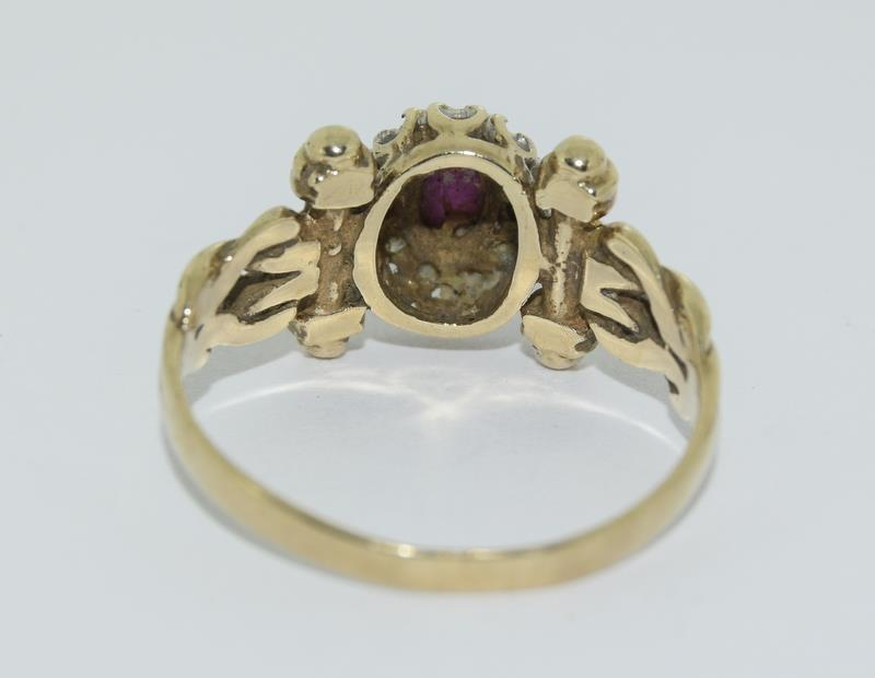 9ct Gold Antique Set Diamond & Cabochon ruby Ring. Size P - Image 3 of 5