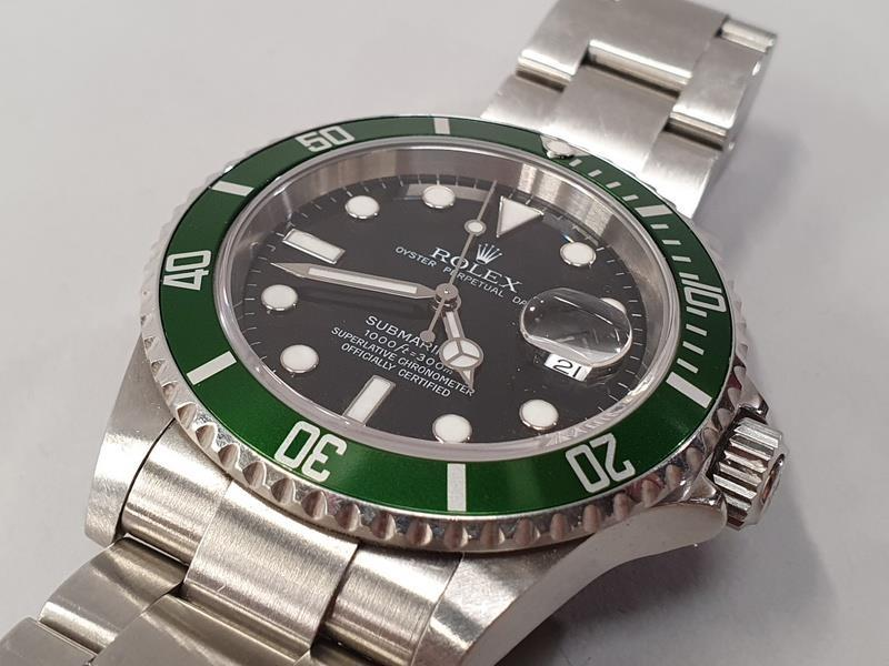 Rolex Submariner 16610, with service box and papers. - Image 4 of 10