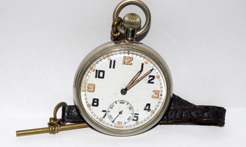Military GS/TP pocket watch by Bravingtons of London will require a service to get working - Image 5 of 5