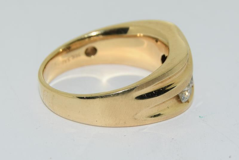 14ct Gold Gents 5 stone Diamond Signet ring. Size W. - Image 3 of 10